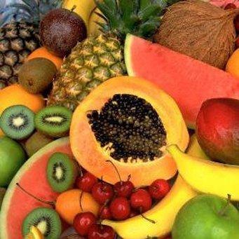 Какие овощь да фрукты позволительно всучать попугаям?